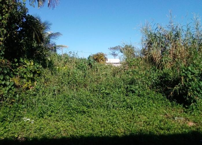 Terreno em bairro residencial a venda em Itanhaém.