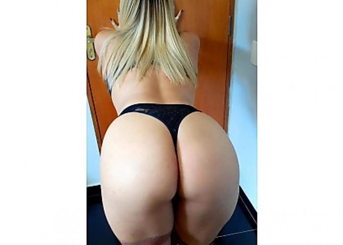 Bom dia meu amor vem começar seu dia com aquele sexo gostoso .. faço rapidinha 50 reais . Atendo no meu local com garage