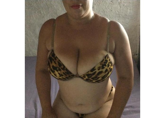 Sou Adriana Machado sou carinhosa louca p realiza e satisfazer seus desejos