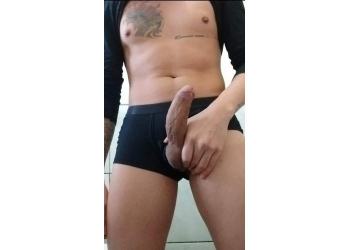 PUTO COM TESÃO $