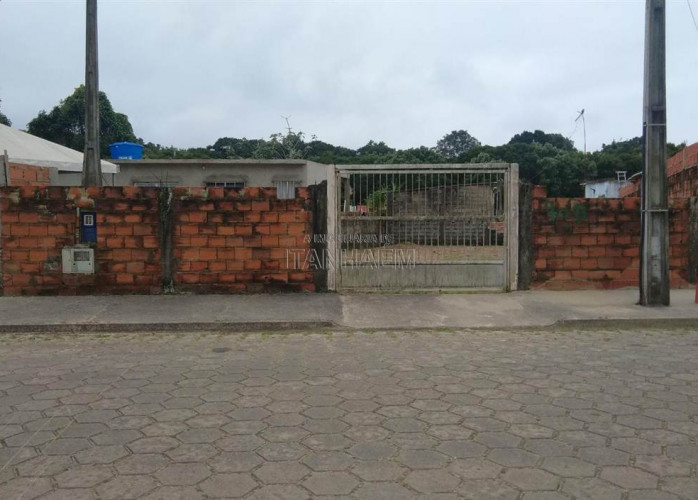 Terreno escriturado para venda em Itanhaém.